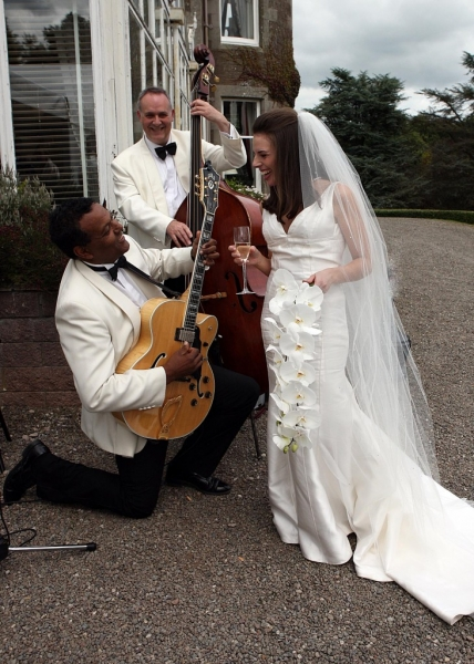 Cromlix Wedding, Ritz Trio