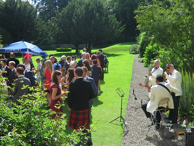 Ritz Trio Jazz Band performing in the garden at Balbirnie House
