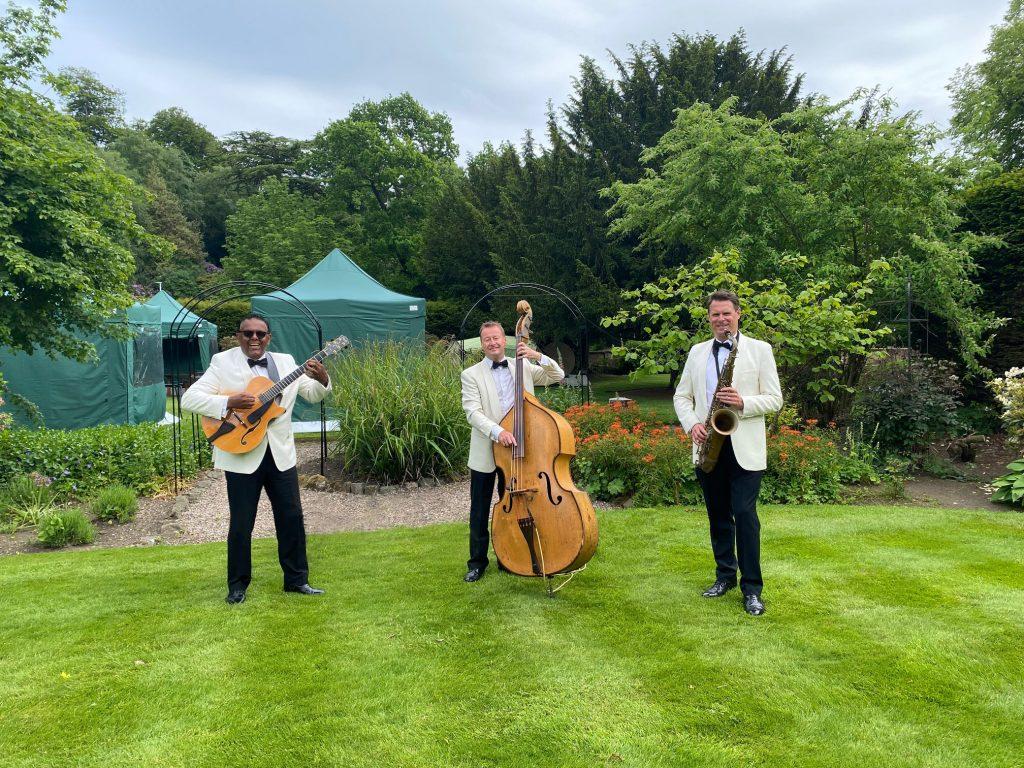wedding drinks reception music at Errol Park